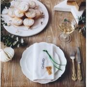 Teller und Platten
